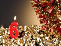 Κερί γενέθλιο-επετείου που παρουσιάζει Nr 6 Στοκ εικόνες με δικαίωμα ελεύθερης χρήσης