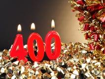 Κερί γενέθλιο-επετείου που παρουσιάζει Nr 400 Στοκ Φωτογραφίες