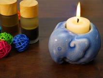 κερί και κεραμικός κάτοχος κεριών Στοκ εικόνες με δικαίωμα ελεύθερης χρήσης
