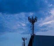 Κεραία και σκοτεινός ουρανός Στοκ Φωτογραφίες
