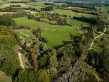 Κεραία, σκιές που αυξάνεται πέρα από τα καλλιεργήσιμα εδάφη της Νέας Ζηλανδίας Στοκ Εικόνα