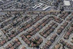 Κεραία των σπιτιών μεσαίας τάξης στο SAN Leandro κοντά στο Όουκλαντ Califor στοκ φωτογραφία