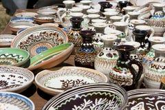 Κεραμικές πιάτα και στάμνες στοκ φωτογραφία με δικαίωμα ελεύθερης χρήσης