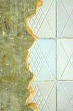 Κεραμική επικεράμωση στην επισκευή του τοίχου δωματίων στοκ εικόνες