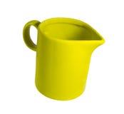 Κεραμική κούπα με σωλήνες για το γάλα πράσινο Στοκ εικόνες με δικαίωμα ελεύθερης χρήσης