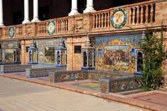 Κεραμικοί πάγκοι Plaza de Espana, Σεβίλη, Ισπανία στοκ εικόνες