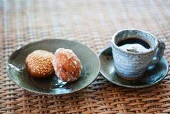 Κεραμικό φλυτζάνι του μαύρου καφέ Στοκ φωτογραφία με δικαίωμα ελεύθερης χρήσης