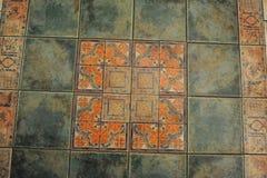 Κεραμωμένο πάτωμα σύστασης σε ένα ύφος μωσαϊκών Στοκ φωτογραφίες με δικαίωμα ελεύθερης χρήσης