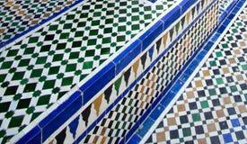 Κεραμωμένο πάτωμα Moroccoan με το βήμα Στοκ Εικόνες