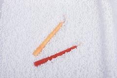 Κεριά γενεθλίων στις άσπρες σφαίρες αφρού πολυστυρολίου Στοκ φωτογραφία με δικαίωμα ελεύθερης χρήσης