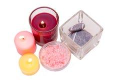 Κεριά και άλατα λουτρών από Στοκ Εικόνες