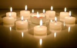 Κεριά με μορφή της καρδιάς Στοκ Φωτογραφία