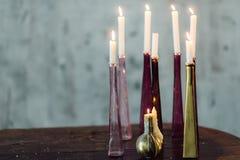 Κεριά στα κηροπήγια Στοκ φωτογραφίες με δικαίωμα ελεύθερης χρήσης