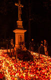 Κεριά στο νεκροταφείο - ημέρα ψυχών Στοκ Εικόνες
