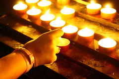 Κεριά φωτισμού Στοκ Φωτογραφία