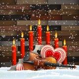 Κεριά Χριστουγέννων με την καρδιά, κεριά και βιολί στοκ εικόνες