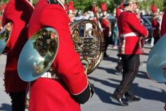 ΚΕΡΚΥΡΑ, ΕΛΛΑΔΑ - 30 ΑΠΡΙΛΊΟΥ 2016: Φιλαρμονικοί μουσικοί που παίζουν στους εορτασμούς διακοπών της Κέρκυρας Πάσχα Στοκ Εικόνες