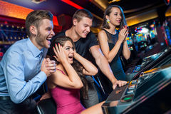 Κερδίστε στο μηχάνημα τυχερών παιχνιδιών με κέρματα Στοκ φωτογραφία με δικαίωμα ελεύθερης χρήσης