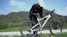 Κερδίστε τη φυλή ποδηλάτων φιλμ μικρού μήκους