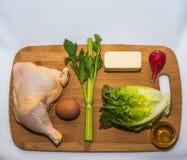 Κετονογενετικά συστατικά διατροφής σε έναν τέμνοντα πίνακα στοκ εικόνα