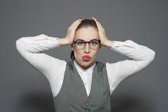 Κεφάλι εκμετάλλευσης επιχειρηματιών στην απογοήτευση στοκ εικόνες