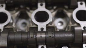 Κεφάλι μηχανών, βαλβίδα, άξονας, από μια μοτοσικλέτα ή ένα αυτοκίνητο Πυροβολισμός κινηματογραφήσεων σε πρώτο πλάνο απόθεμα βίντεο