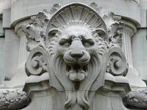Κεφάλι λιονταριών σε ένα γλυπτό Στοκ Φωτογραφία