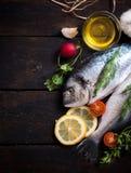 Κεφάλι και ουρά ψαριών Gilthead Στοκ φωτογραφία με δικαίωμα ελεύθερης χρήσης