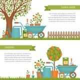 κηπουρική έννοιας εργαλεία άνοιξης κηπουρικής κήπων Έμβλημα με το θερινό κήπο λ Στοκ Φωτογραφίες