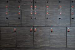 Κιβώτια αποθήκευσης με τα κλειδιά στοκ φωτογραφία