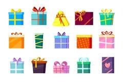 Κιβώτια δώρων ο χρωματισμένος βαλεντίνος Χριστουγέννων και άλλοι εορτασμοί παρουσιάζουν το κιβώτιο αγορών αιφνιδιαστικών γενεθλίω ελεύθερη απεικόνιση δικαιώματος
