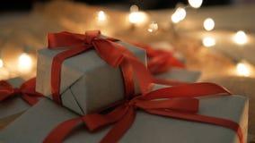 Κιβώτια και φω'τα δώρων Χριστουγέννων απόθεμα βίντεο