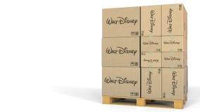 Κιβώτια με το λογότυπο Walt Disney στην παλέτα αποθηκών εμπορευμάτων Εκδοτική τρισδιάστατη απόδοση ελεύθερη απεικόνιση δικαιώματος