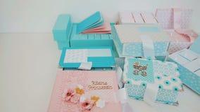 Κιβώτια δώρων για τα παιδιά Οικογενειακά κειμήλια Νέες μητέρες φιλμ μικρού μήκους