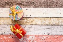 Κιβώτια δώρων με το χρωματισμένο έγγραφο Στοκ Φωτογραφίες
