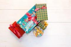 Κιβώτια δώρων με το χρωματισμένο έγγραφο Στοκ Εικόνες