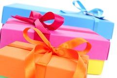 Κιβώτια δώρων των διαφορετικών χρωμάτων Στοκ εικόνα με δικαίωμα ελεύθερης χρήσης