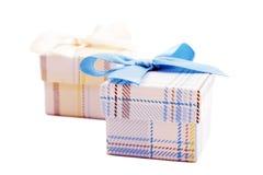 Κιβώτιο δώρων με το μετάξι τόξων. Στοκ Φωτογραφίες
