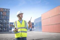 Κιβώτιο εμπορευματοκιβωτίων φόρτωσης ελέγχου επιστατών από το σκάφος φορτίου φορτίου για την εισαγωγή-εξαγωγή, βιομηχανικό φορτίο Στοκ Εικόνες