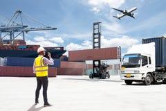 Κιβώτιο εμπορευματοκιβωτίων φόρτωσης ελέγχου επιστατών Στοκ φωτογραφία με δικαίωμα ελεύθερης χρήσης