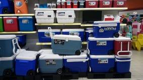 Κιβώτιο που πωλείται κρύο στο κατάστημα Στοκ Εικόνες