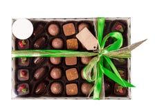 Κιβώτιο των σοκολατών με την κορδέλλα Στοκ Φωτογραφίες