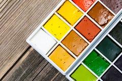 Κιβώτιο χρωμάτων με το νέο watercolor Στοκ Εικόνες