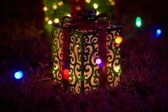 Κιβώτιο δώρων φω'των Χαρούμενα Χριστούγεννας Στοκ εικόνες με δικαίωμα ελεύθερης χρήσης