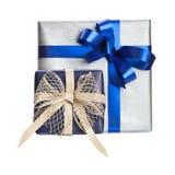 Κιβώτιο δύο δώρων με την μπλε κορδέλλα Στοκ Εικόνες