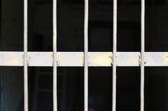 Κιγκλίδωμα ράβδων σιδήρου Έννοια της φυλάκισης Το πρόβλημα προσφύγων αποδημία στοκ εικόνα