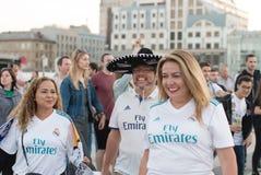 ΚΙΕΒΟ, ΟΥΚΡΑΝΙΑ - 26 ΜΑΐΟΥ 2018: Ο θαυμαστής UEFA FC Real Madrid και η ομάδα ποδοσφαίρου του Λίβερπουλ ενώπιον του τελικού UEFA υ Στοκ φωτογραφίες με δικαίωμα ελεύθερης χρήσης