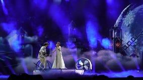 ΚΙΕΒΟ, ΟΥΚΡΑΝΙΑ - 12 ΜΑΐΟΥ 2017: Το τραγούδι Eurovision αμφισβητεί το συμμετέχοντα Naviband από τη Λευκορωσία απόθεμα βίντεο