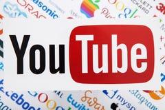 ΚΙΕΒΟ, ΟΥΚΡΑΝΙΑ - 10 ΜΑΡΤΊΟΥ 2017 YouTube, πειραχτήρι, μήλο, πιό pinterest, instagram logotype τυπωμένος σε χαρτί Το YouTube είνα Στοκ Φωτογραφία
