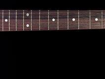 Κιθάρα fingerboard που απομονώνεται στο μαύρο υπόβαθρο Στοκ φωτογραφίες με δικαίωμα ελεύθερης χρήσης